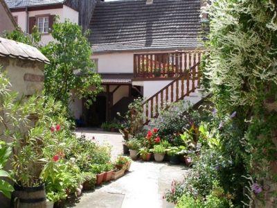 Location vacances Mutzig. Annonces de location saisonnière de vacances à Mutzig en Bas Rhin de particuliers.