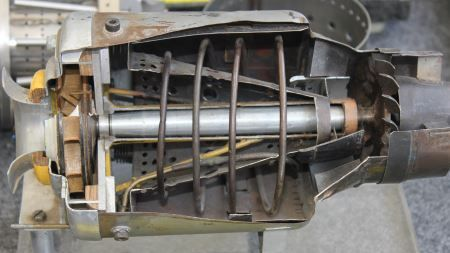 Section through a Schreckling FD-3 64 model gas turbine