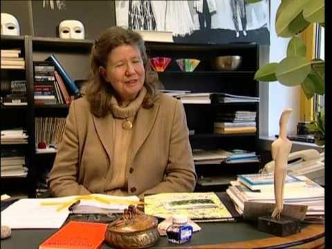 Einfach inspirierend und herzerwärmend. Enja Riegel spricht über die großartigen Umwälzungen, die sie an der Helene-Lange-Schule vollbracht hat und gegen welch immensen Widerstand sie sich dabei durchsetzen musste. Unglaublicher Mut :) !. #bildungsreise13wiesbaden