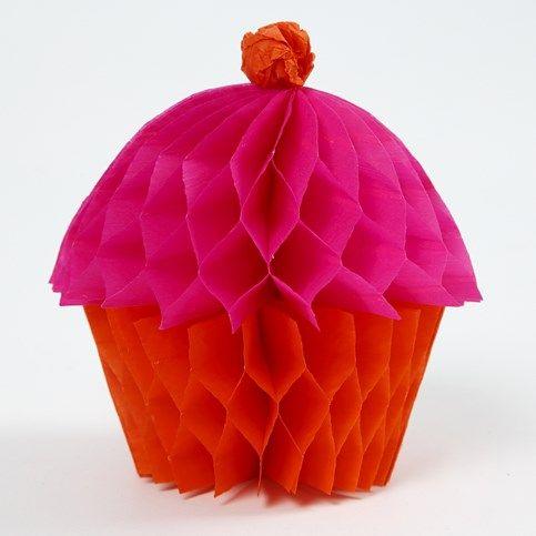 13721 Een Cupcake gemaakt van Concertina Papier