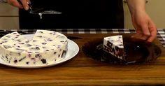 Торт-суфле с бисквитом и вишнями