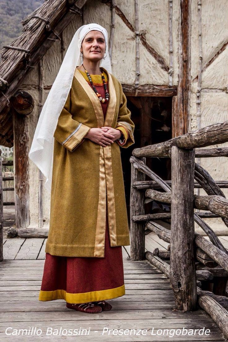 role of women in anglo saxon society This cycle of vengeance is an important aspect of anglo-saxon culture, and is key in understanding women's role in society in addition to their role as peace-weavers, women are often shown in another light: that of the inciter.