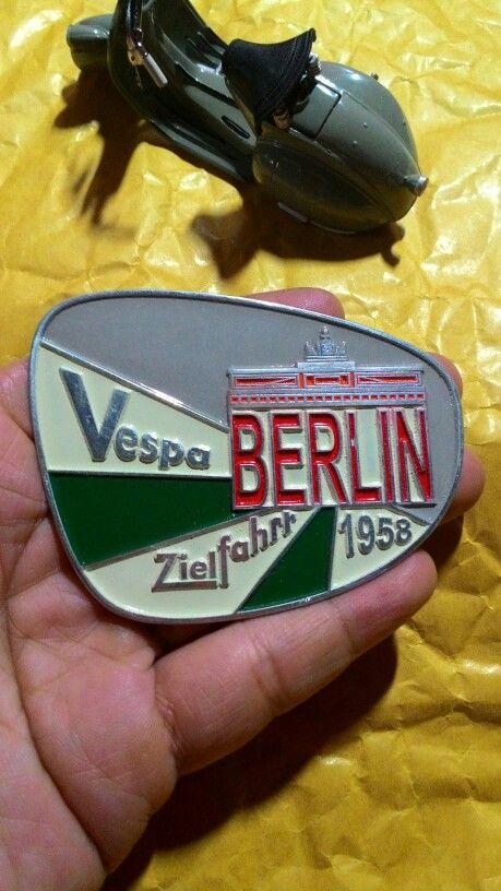 Badge placca vespa berlin 1958 Size. 8cm to 6 cm