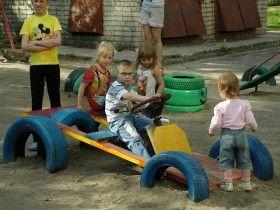 Как сделать детскую площадку своими руками: инструкция по построению песочницы, качелей и домика для детей