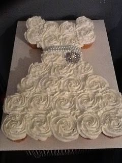 Bridal shower pull-apart cupcake cake. Neat idea. Tells you how