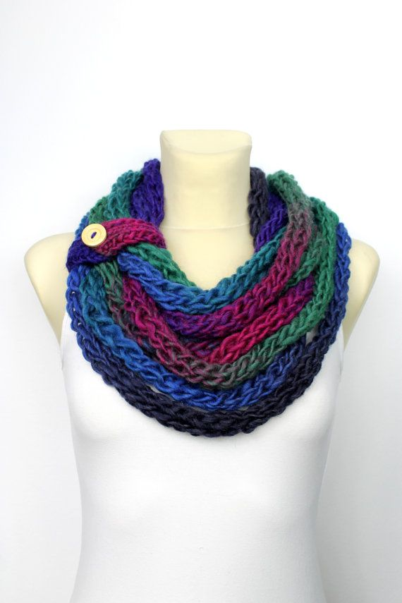Finger Knit Scarf - Multicolor Knit Loop - Knit Chain Scarf - Chunky Infinity Scarf - Womens Winter Cowl - Knit rope Scarf - Gift for Wife