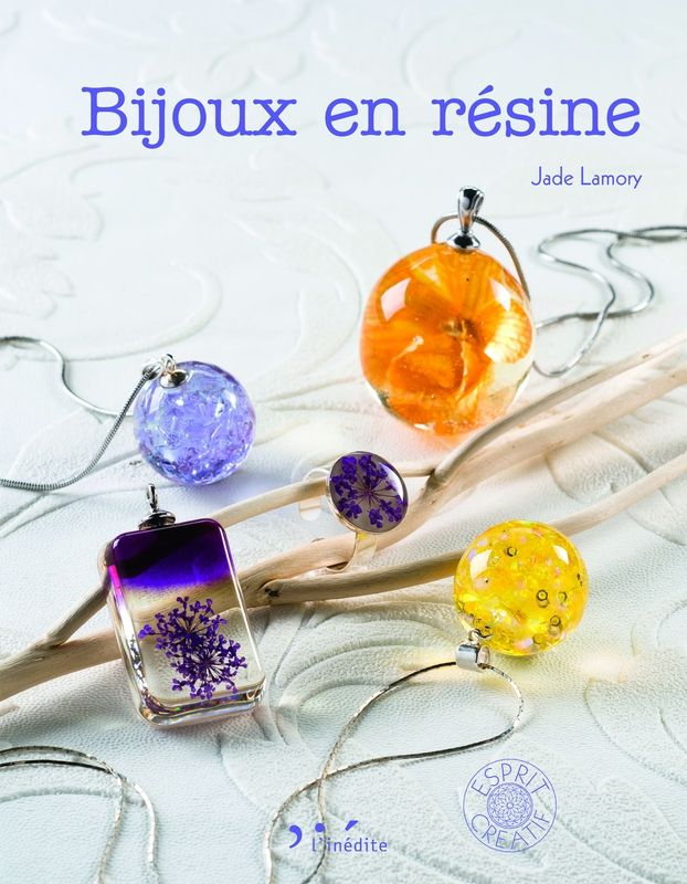 livre sur les bijoux en resine