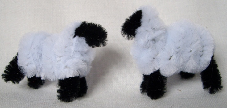 Pipecleaner sheep. Hand crafted at Little Irish House. Find on facebook