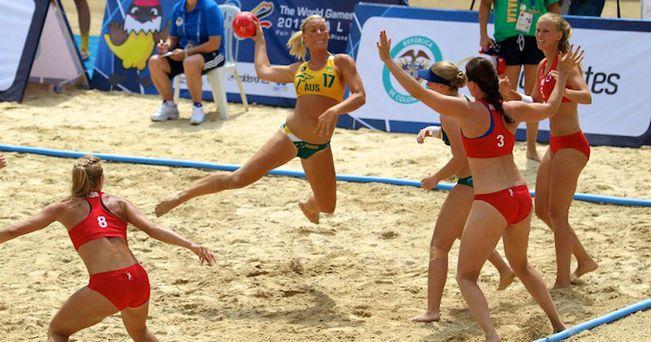 """El Consell Superior d'Esports intervindrà en la normativa """"sexista"""" sobre la vestimenta de l'handbol platja femení"""