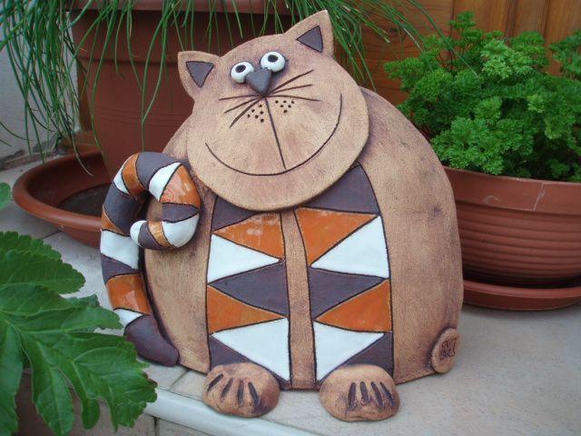 Kočka oblouk Kocour je vysoký 20cm, široký 22cm