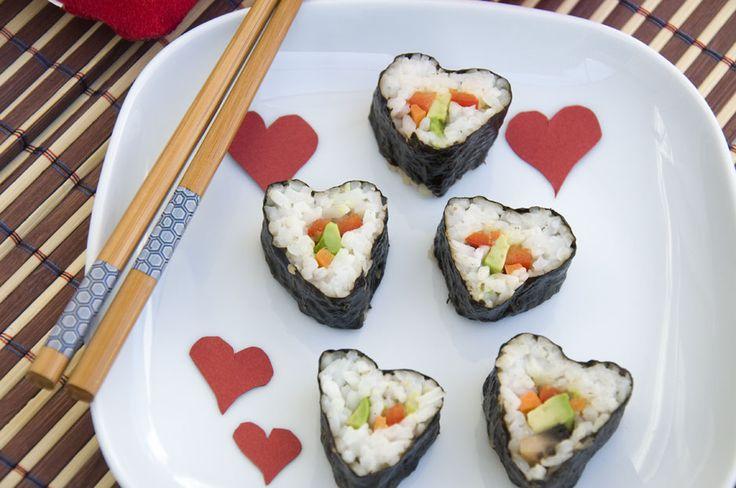 Herzsushi <3   Sushiheart <3    https://www.vivalasvegans.de/rezepte/vorspeisen/sushi/