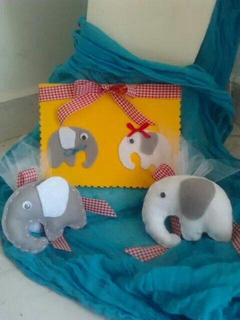 Προσκλητηριο και Μπομπονιερα ελεφαντακια