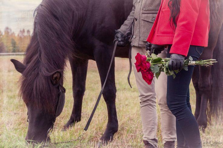 Autumn couple photography, engagement photography   Mariella Yletyinen Photography
