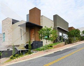 Surpreende-se com essa magnifica residência projeto moderno e arrojado que alia requinte e bom gosto.