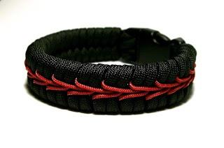 Center stitched paracord bracelet by Stormdrane