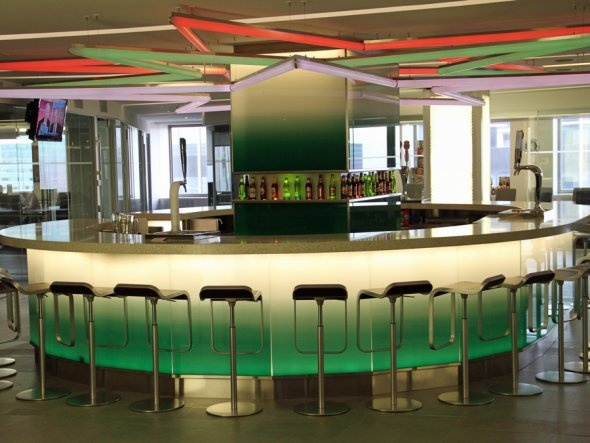 Heineken USA. There's a bar in this office.Offices Culture, Dreams Offices, Offices Ny, New York Cities, Offices Spaces, Amazing Offices, New York City, Heineken Offices, Heineken Usa