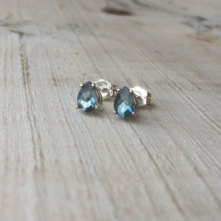 London blue topaas 925 sterling zilver oorknopjes