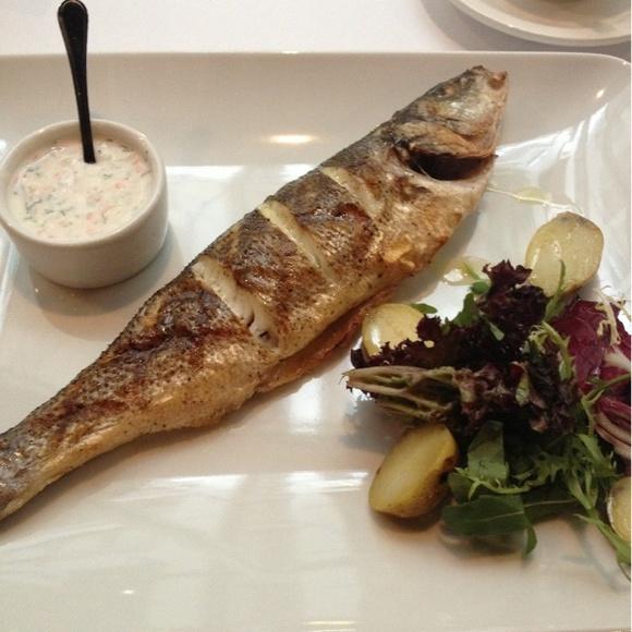 Нуууу в Филимонова Янкель вкуснее! - Сибас с картофелем и салатом@Минсельхоз via www.dish.fm