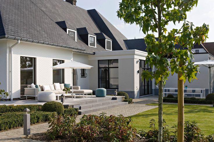 Witte rustieke villa