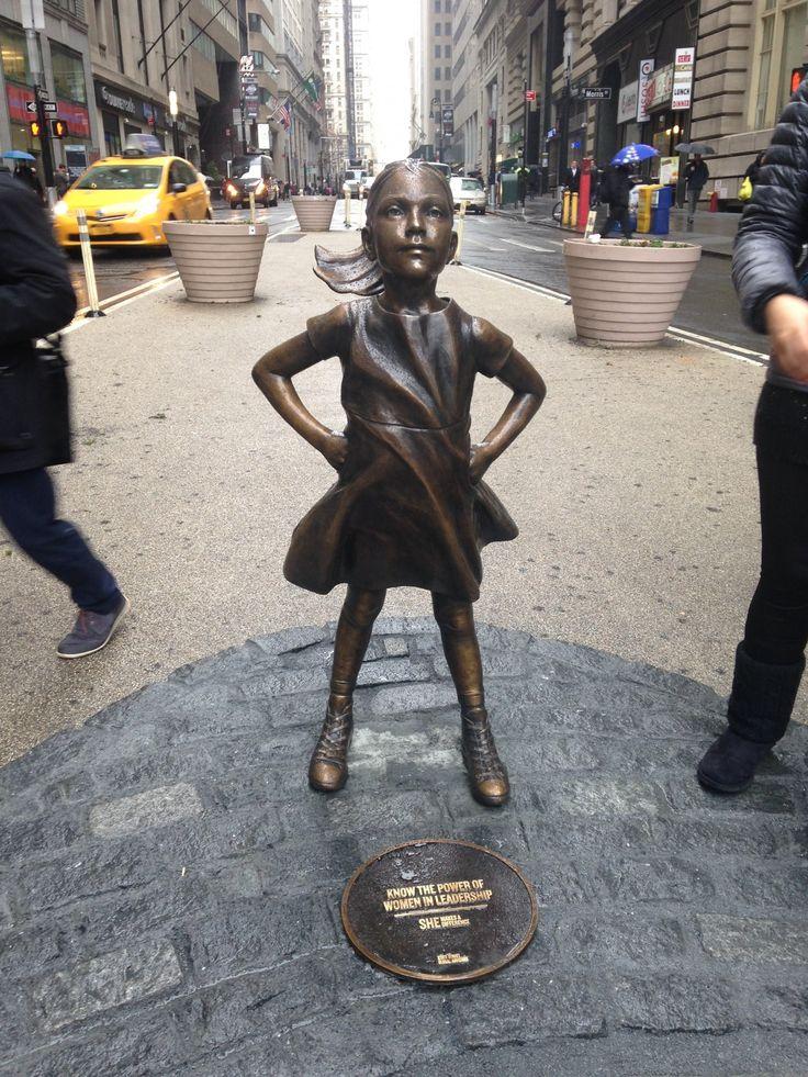 State Street Global Advisors' girl statue in front of Wall Street bull - Business Insider