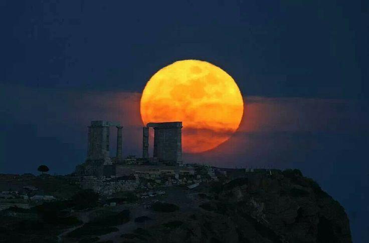 blood moon tonight greece -#main