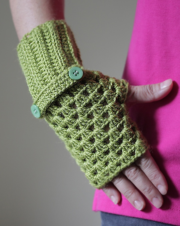 Women Fingerless Gloves in green, Crochet fingerless gloves, Fingerless mittens, crochet mittens, Ladies Crochet wrist warmer