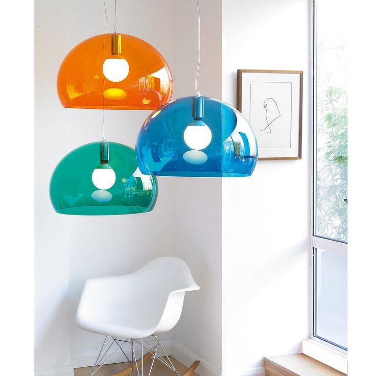 An essential lamp by Ferrucio Laviani for Kartell | Dicocver it on http://www.malfattistore.it/product/fly/ | #malfattistore #interiordesign #shoponline #lamp #light #modernfurniture