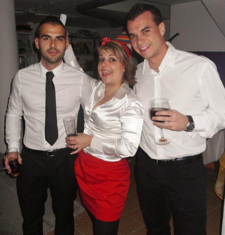 Con mi hermano Alberto (paciente, trabajador y honesto) y mi hermana Natalia (líder, risueña y cariñosa) en la Nochevieja de 2014