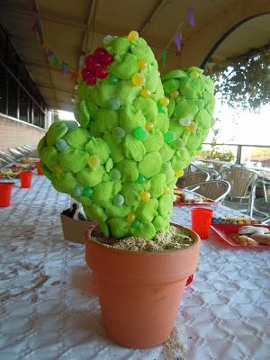 Manualidades con mis hijas: Cumpleaños dulce y original. Cactus de gominolas. sweets table