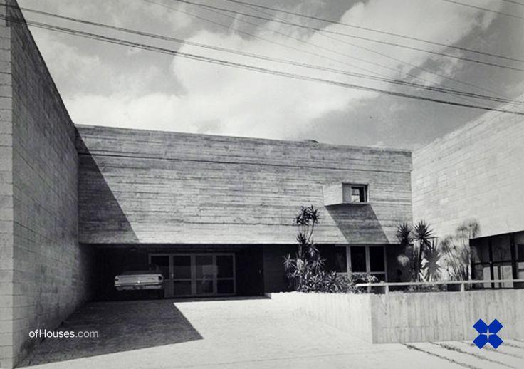 Ruy Ohtake /// José Roberto Filipelli House /// Jardim Leonor, Sao Paulo, Brazil /// 1970-71
