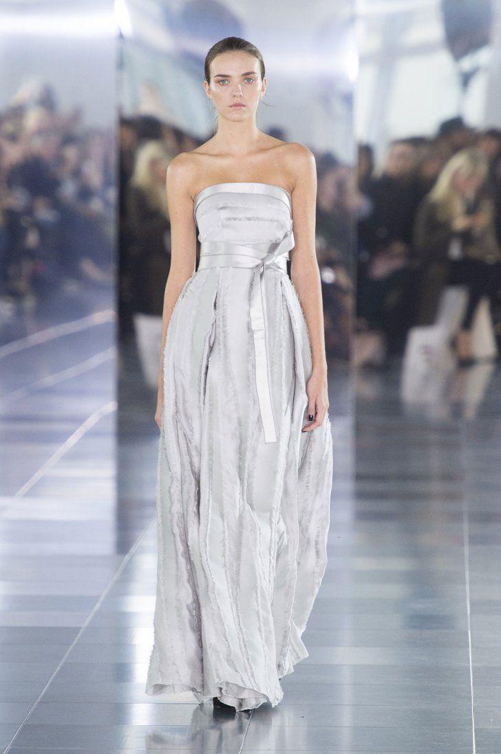 Pin for Later: Tous les Looks Qui Conviendraient à une Mariée Vus à la Fashion Week de Londres Amanda Wakeley Printemps/Été 2016