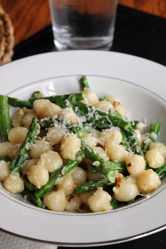 Gnocchetti with Asparagus and Garlic-Gorgonzola Sauce