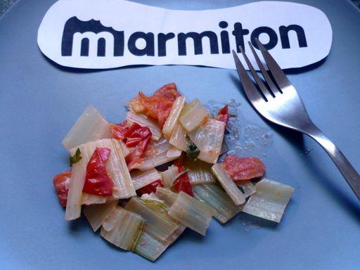 Côtes de blettes à la tomate - Recette de cuisine Marmiton : une recette