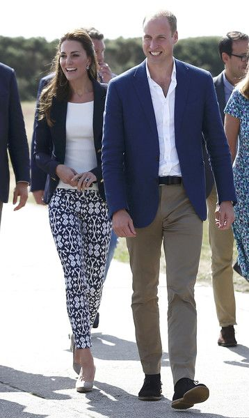 Kate Middleton Photos Photos - Prince William, Duke of Cambridge and Catherine, Duchess of Cambridge visit the Tresco Abbey Garden on September 2, 2016 in Tresco, England. - The Duke and Duchess of Cambridge Visit the Isles of Scilly