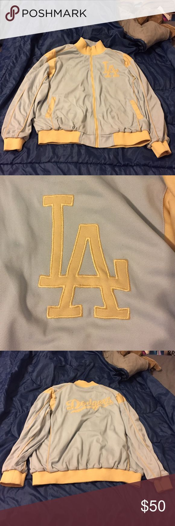 ⚾️Dodgers⚾️️Jackets⚾️️ Dodgers Baby Blue and Beige Jacket. Men's size XXL. MLB Jackets & Coats