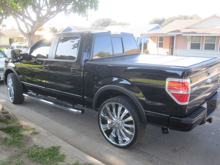 2009 F150 28 inch rims Dual exhaust flowmasters 50 series