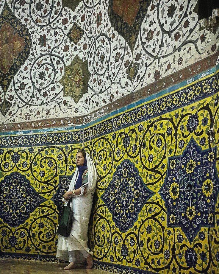 Mashhadardahal Iran Es Una Ciudad En El Distrito Rural De Neyasar Distrito De Neyasar Condado De Kashan Persian Architecture Iran Travel Persian People