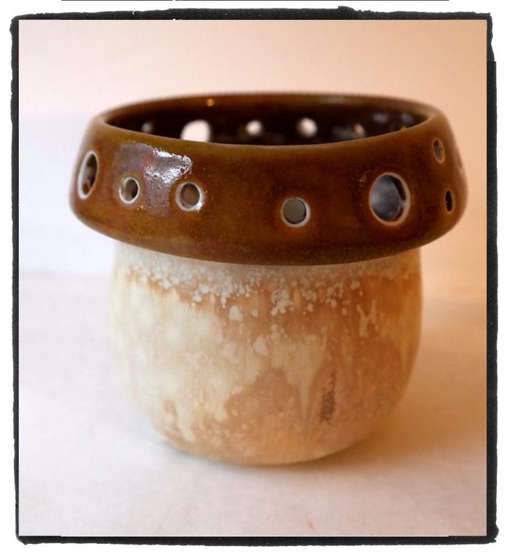 small porcelain vase - mushroom shape