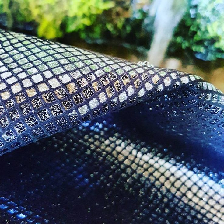 FOREVER Suede leather with python glitter effect on the top #lagarzarara #pythonleather #glittercrafts #instashoes #stiletto #highheels #luxuryshoes #elegantshoes #luxshoes #leather #instaglitter #shoesleather #bagsleather #ankleboots #boots #fw1718 #fallwinter1718 #shoedesigner