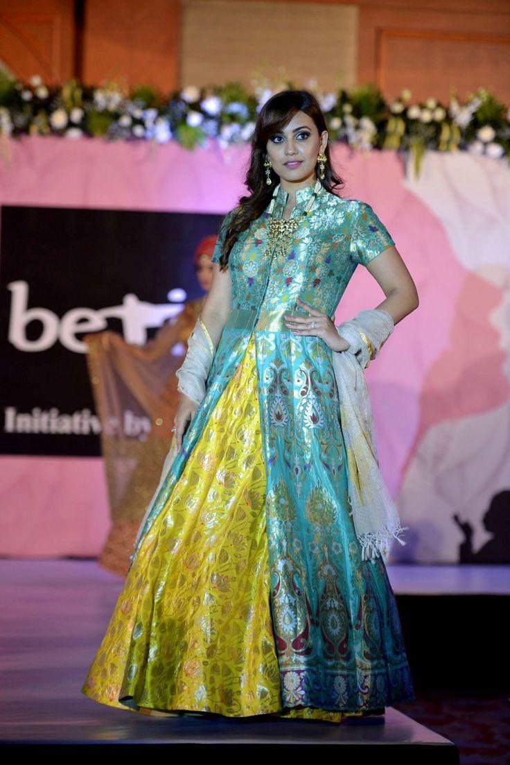 Magnificent Kareena Kapoor Wedding Outfit Royal And Traditional ...