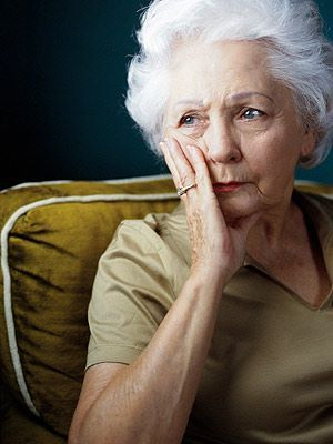 Not being able to recognize loved ones is a known effect of Alzheimer's, but other signs of dementia are less obvious. Learn more about early dementia symptoms.