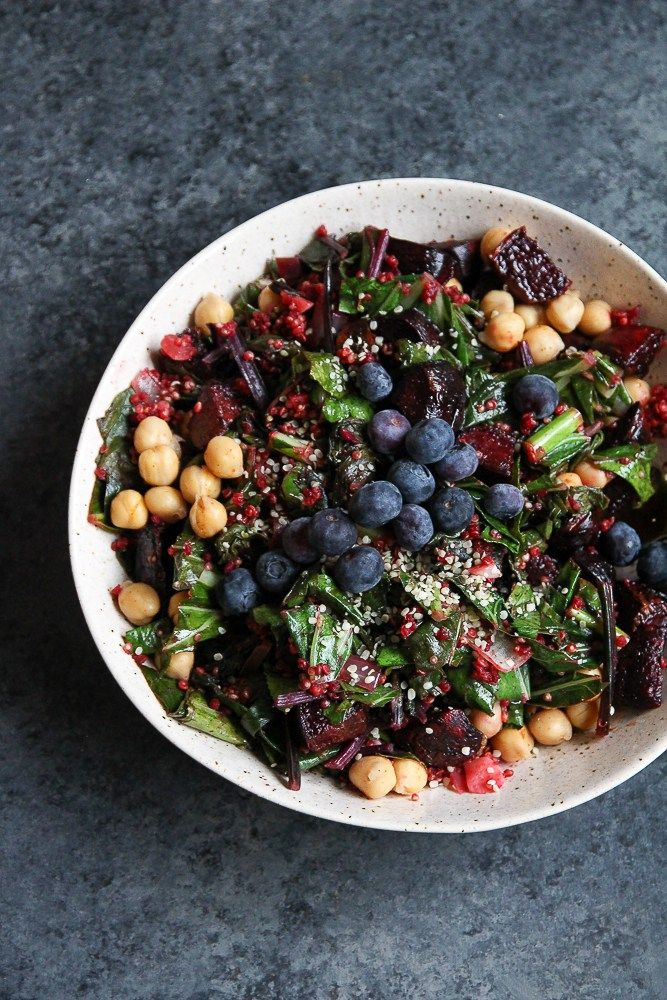 Beet Salad with Quinoa, Chickpeas and Blueberries