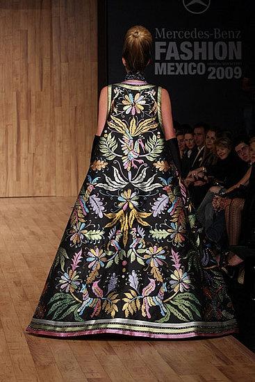 Mexico Fashion Week: Armando Mafud Fall 2009 Photo 27