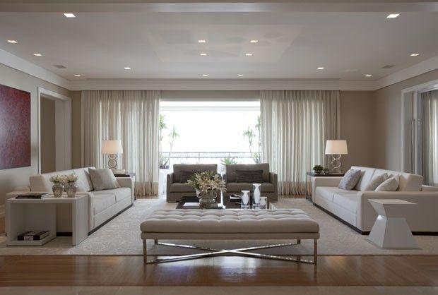 Casa simples, elegante, moderna, clean, mono color, clássica.