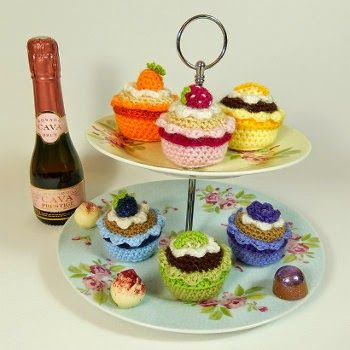 2000 Free Amigurumi Patterns: Cupcakes and Pastry