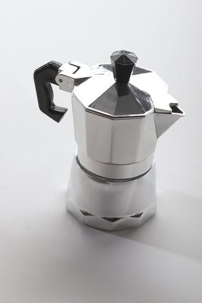 How to Distill Oil Using a Coffee Pot