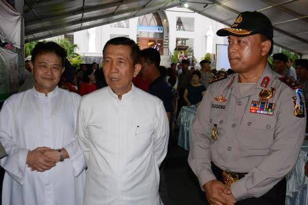Gubernur dan Kapolda Bali Pantau Keamanan Malam Natal