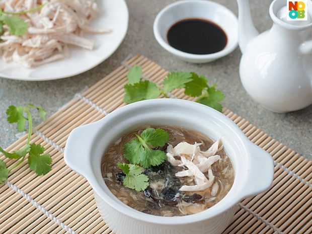 Easy recipe for Imitation Shark Fin Soup - using imitation shark's fin made from gelatin. No sharks were harmed in the making of this Chinese delicacy.