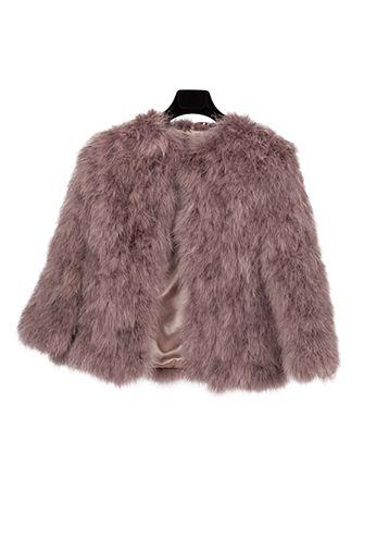 Chaqueta de plumas rosas de Asos, alegre y divertida, perfecta para vestidos largos y cortos. http://www.thatsmycloset.com/chaquetas/asos
