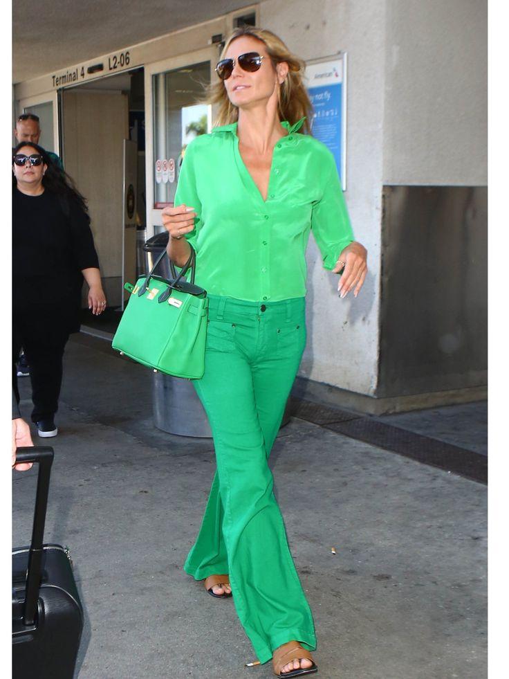 Statement-Farbe: Heidi Klum ganz in Grün, mit einer farblich passenden Hermes Birkin Bag! window.vn && window.vn.onInit.app.push(function(){window.vn.plugins.loadTracdelight();});